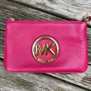 MICHAEL Michael Kors Leather Wristlet in Magenta